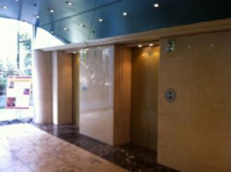 新館エレベーターホール