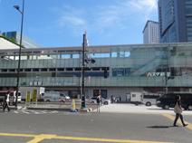 新宿南口駅前横断歩道